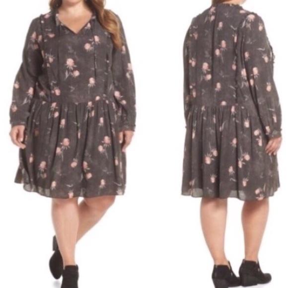 Caslon Dresses & Skirts - Caslon Plus Floral Peasant Dress